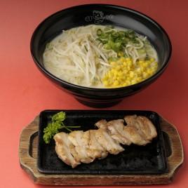 Chicken Teppanyaki Ramen<br>鐵板雞排拉麵
