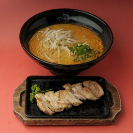 Tom Yum Chicken Teppanyaki Ramen<br>冬蔭功鐵板雞排拉麵